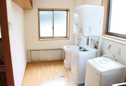 ユースフルまつやま(洗濯室)